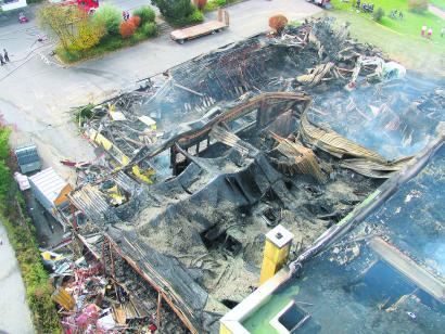 Möbelhaus Raub Der Flammen Nq Online Die Neckarquelle